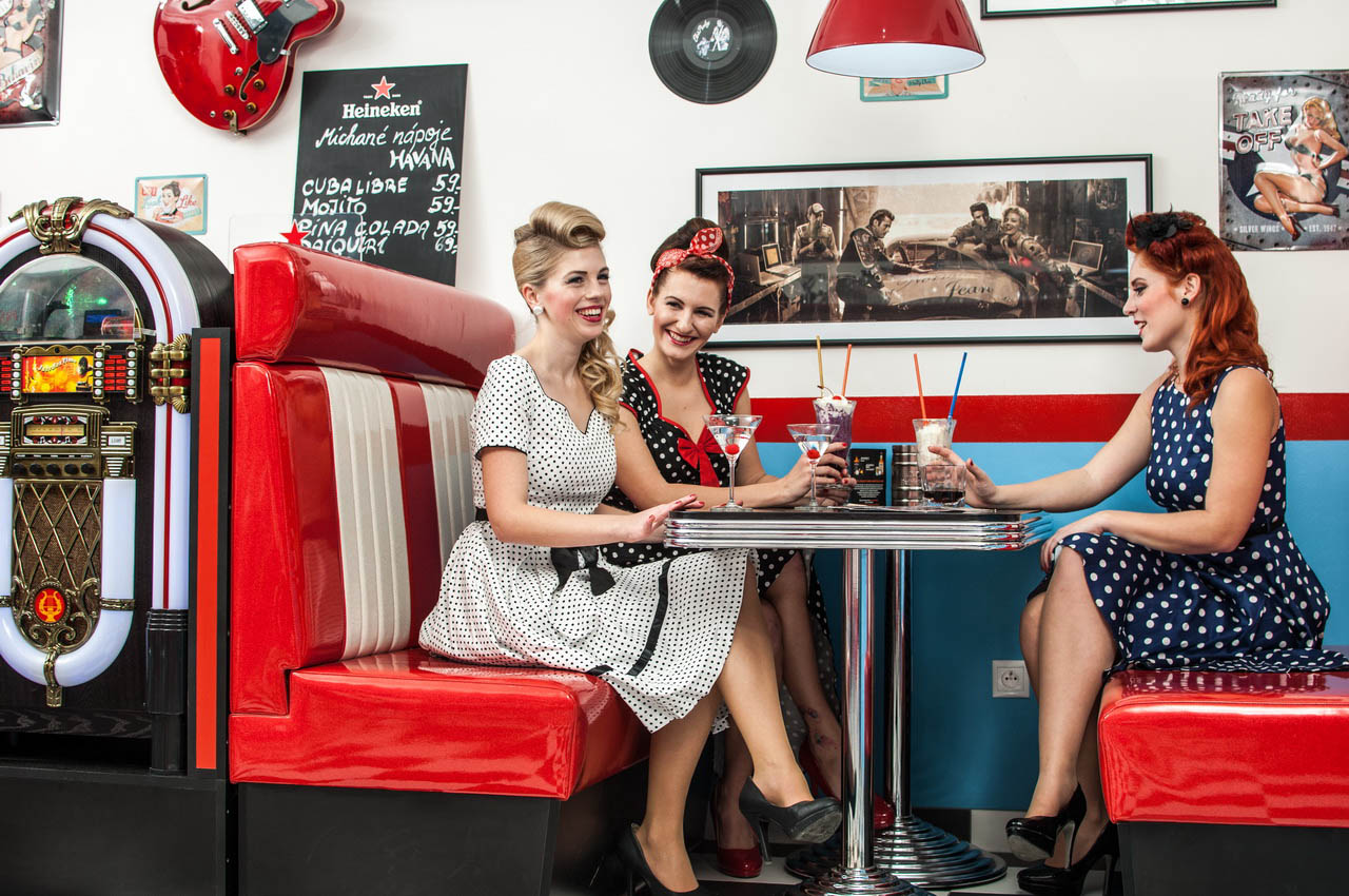 2015-Rock-n-roll-Cafe-Olomouc-CRmail-1.jpg
